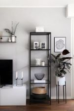 black-and-white-decor