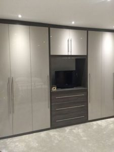 elegant-hinged-door-wardrobe
