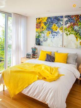 big canvas paintings in bedroom